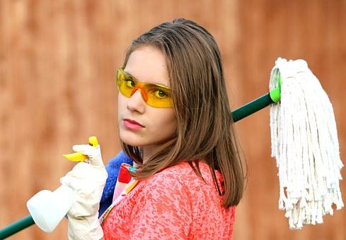 anlita vår städfirma för erfaren städpersonal vid en hemstädning